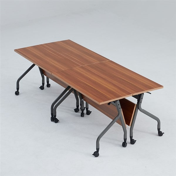 Tiết kiệm diện tích tối đa cho không gian căn phòng bằng những chiếc ghế gấp liền bàn